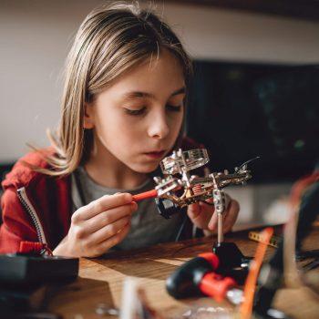 Entenda a importância do ensino STEM na educação infantil