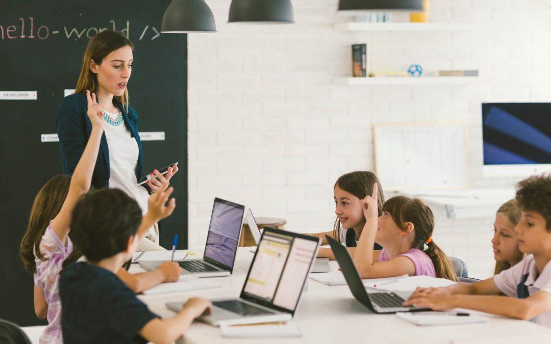 Escola de tecnologia para criança: entenda porque é importante!