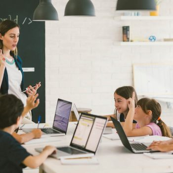 escola de tecnologia para criança
