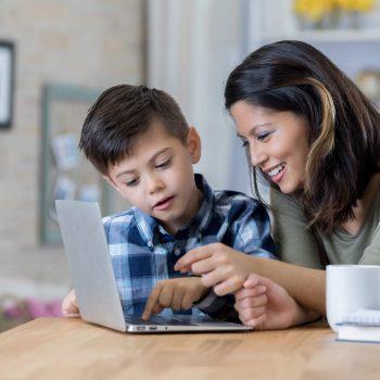 6 vantagens da alfabetização tecnológica para as crianças do século XXI
