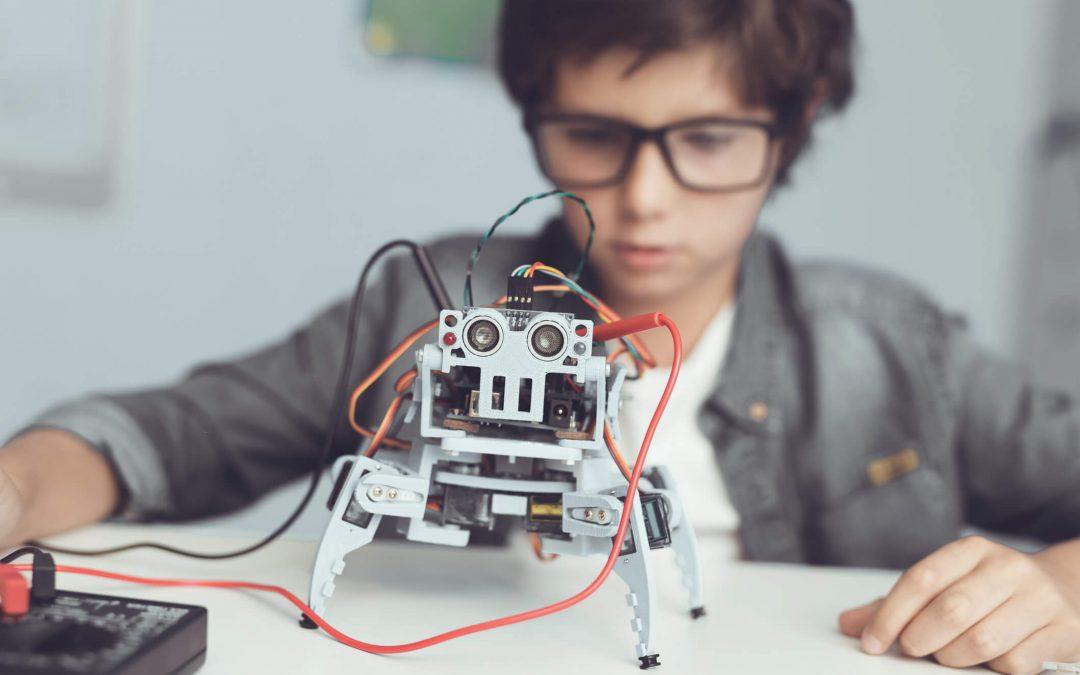 Existe uma idade mínima para aprender robótica? Nós explicamos!